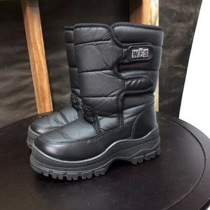 Black Kids Size 4 Snow & Winter Boots